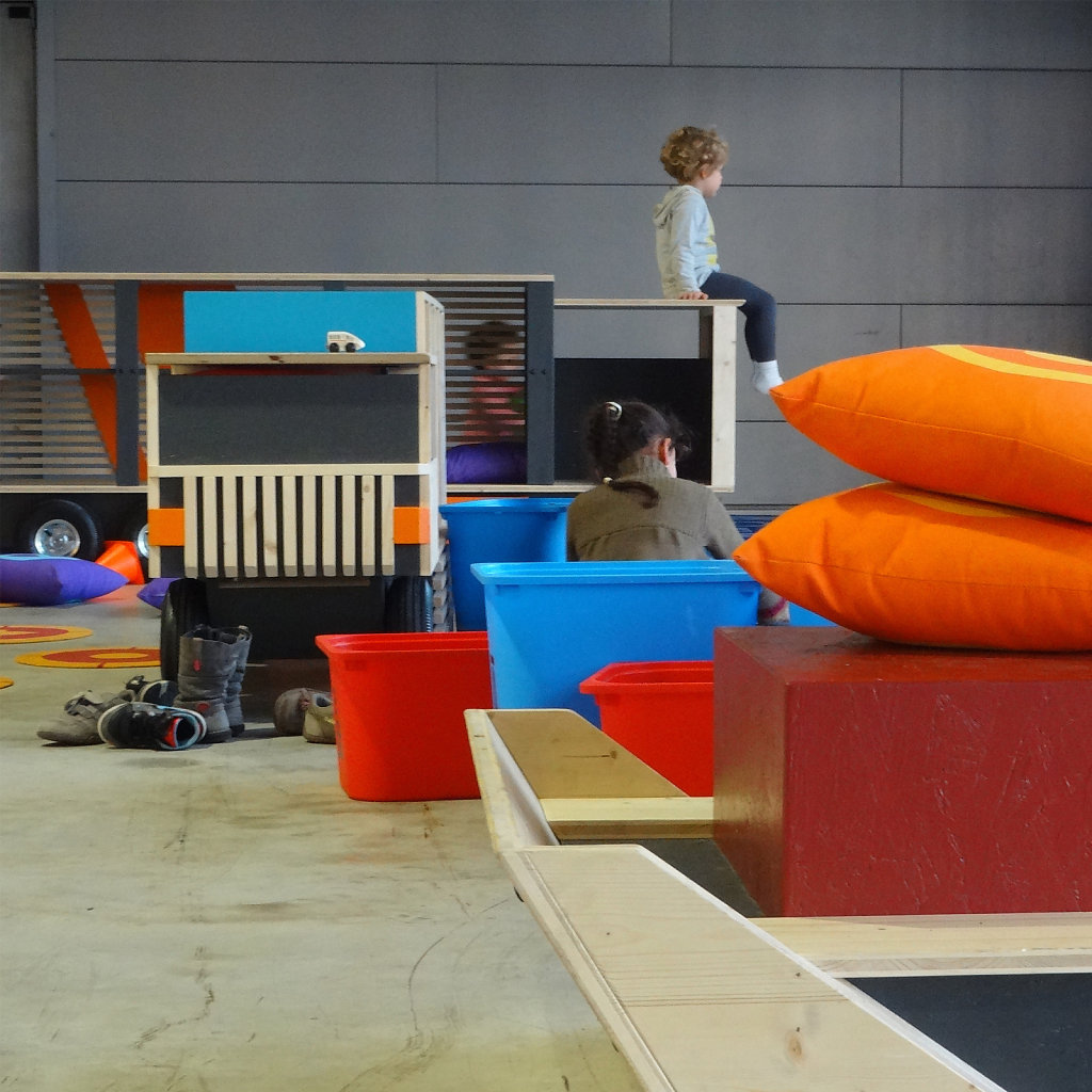 Espace enfants Marseille 2013 — Patrick Lindsay